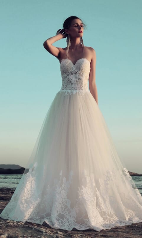 The right fancy dress design may transform you into the expensive-looking queen you always dreamt of being on your big day. More ideas on wedwithbliss.com